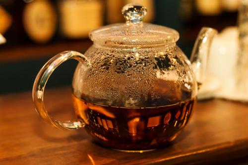 紅茶のティーポット