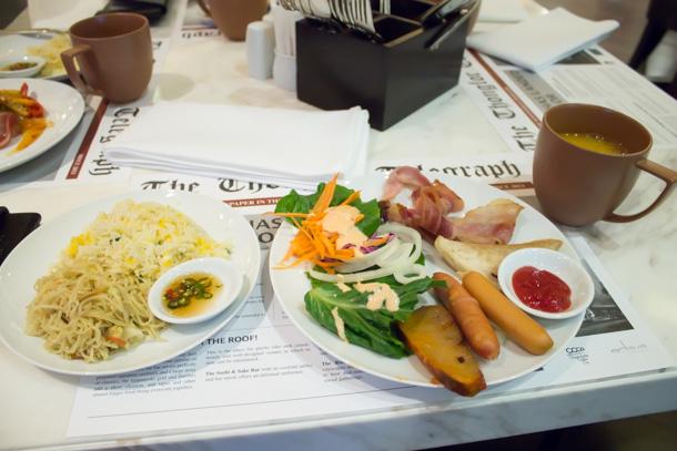 ホテルの朝食 1