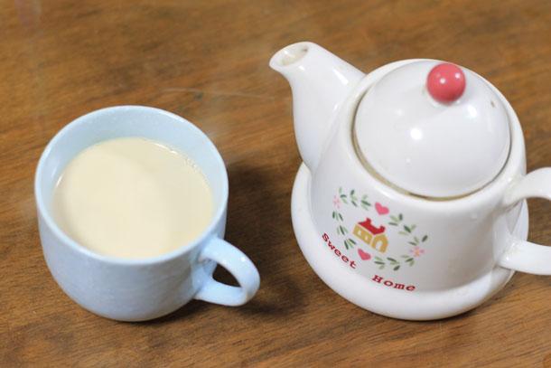 煮出しミルクティーの作り方 6